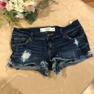 Abercrombie & Fitch distressed jean short SZ 0
